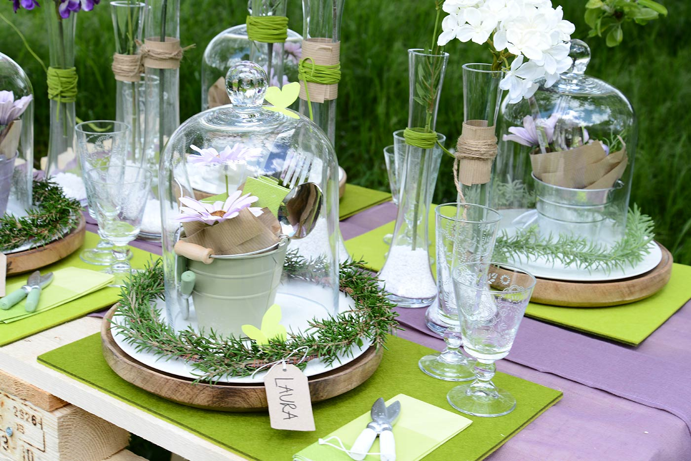 Keine gartenparty ohne den perfekt dekorierten tisch - Gartentisch dekorieren ...
