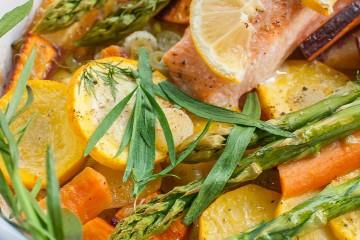 Lachs mit saisonalem Gemüse