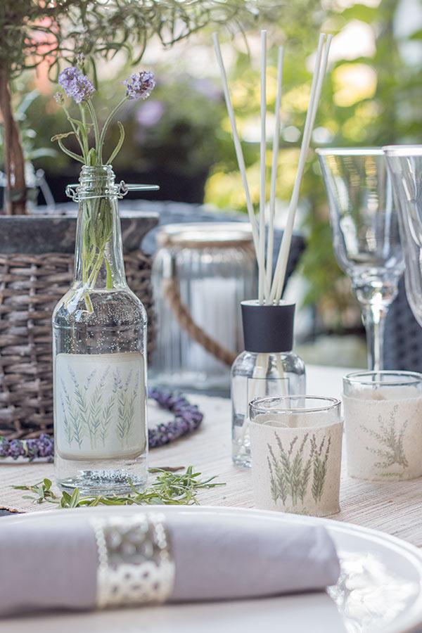 tischdeko im lavendel look sch n bei dir by depot. Black Bedroom Furniture Sets. Home Design Ideas