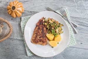 Kabeljau mit Zucchini-Erbsen-Gemüse und Kartoffeln
