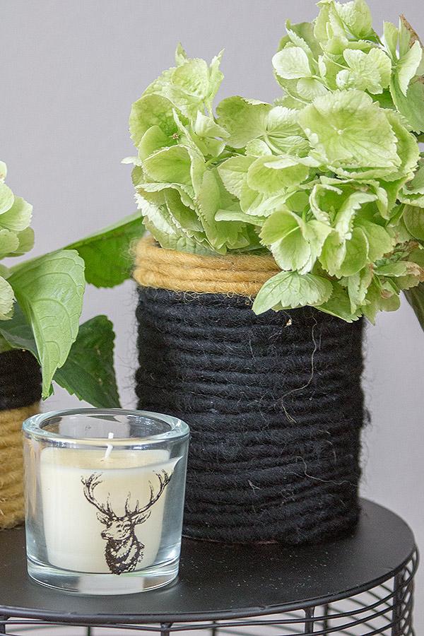 DIY Blumenvase aus Konservendose mit Filzband