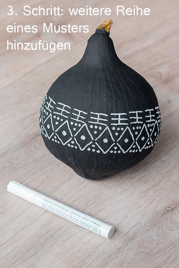 3. Schritt DIY-Zierkürbis im mud cloth Design
