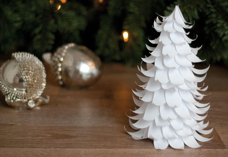 diy papiertannenbaum f r weihnachtsdeko basteln sch n. Black Bedroom Furniture Sets. Home Design Ideas