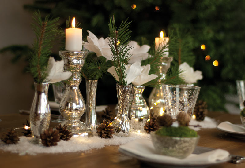 dekoidee ein glitzernder winterwald als weihnachtliche. Black Bedroom Furniture Sets. Home Design Ideas