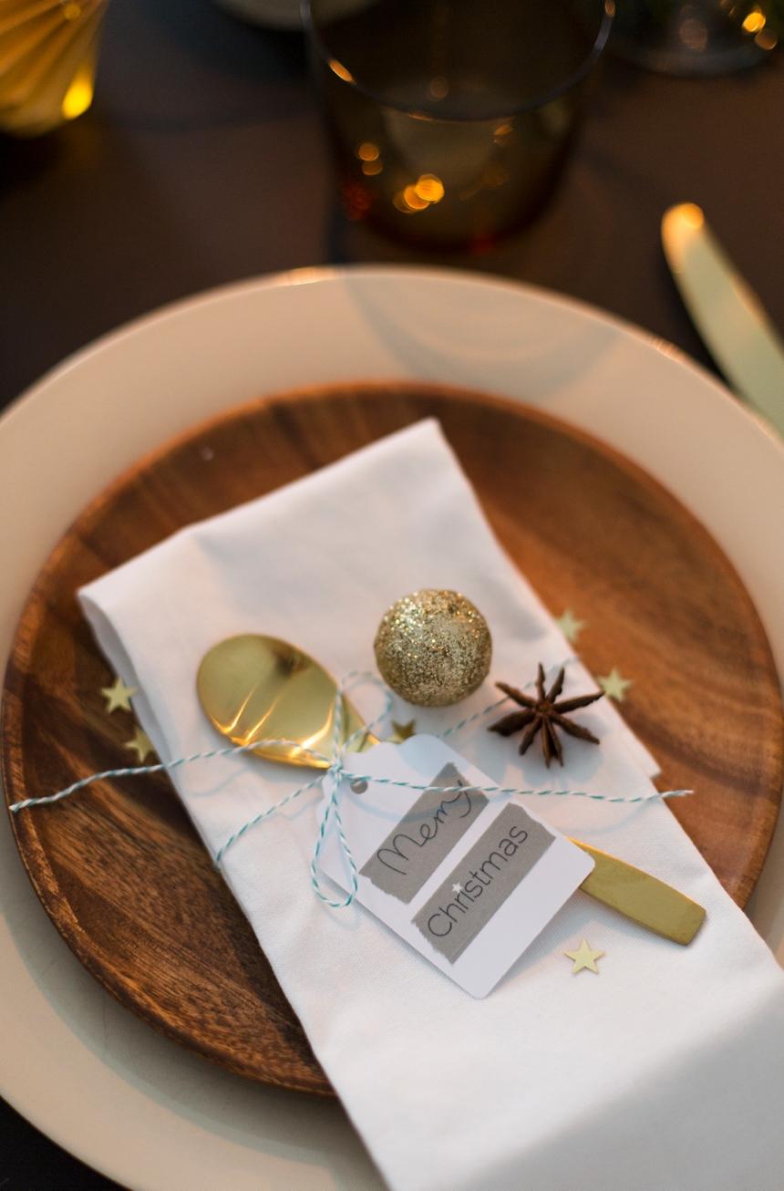 festliche tischdekoration zu weihnachten. Black Bedroom Furniture Sets. Home Design Ideas