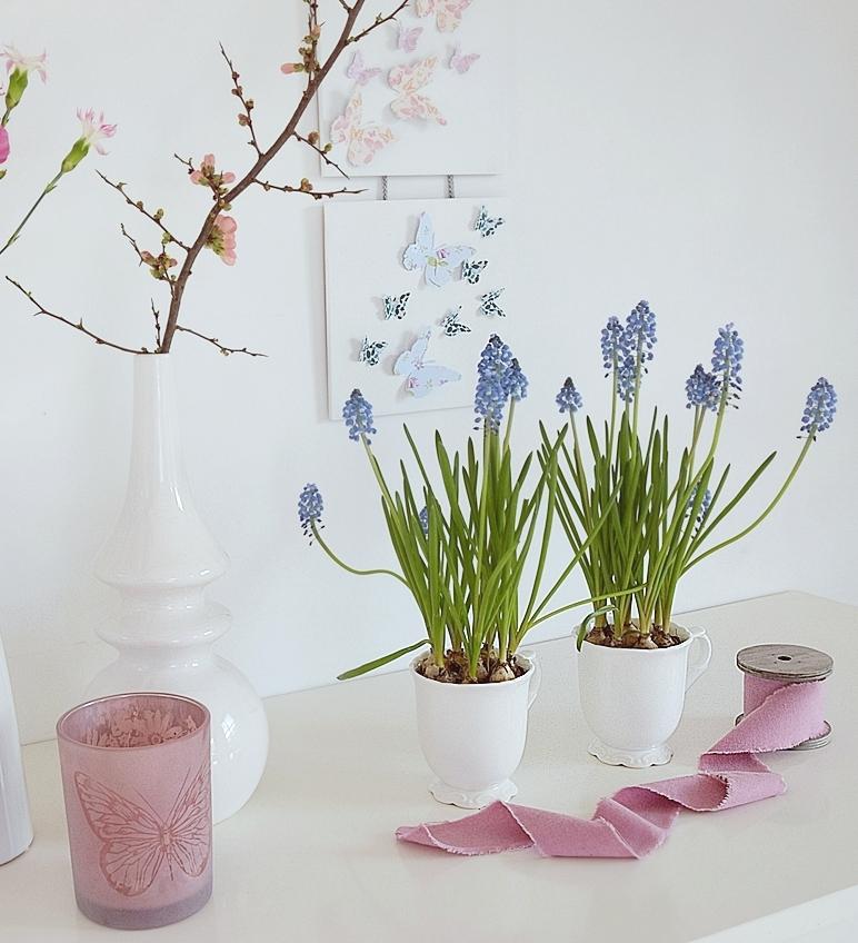 DIY-Wanddekoration-mit-Schmetterlingen 26