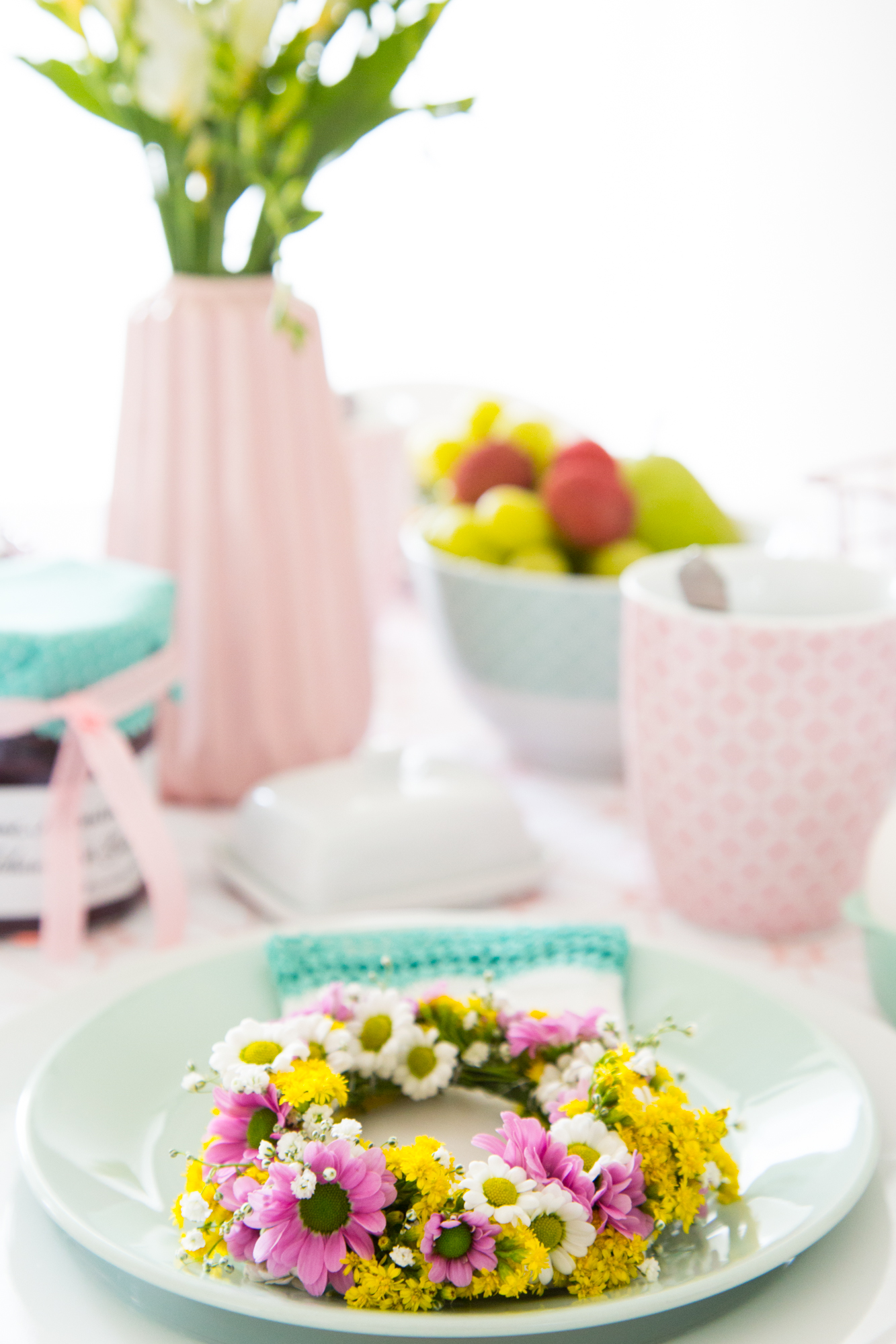 Blumenkranz Fruhlingsstimmung Auf Dem Tisch Schon Bei Dir By Depot