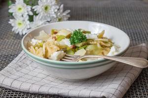 Schnelle-Pasta-mit-Speck-Ricotta-und-Lauch