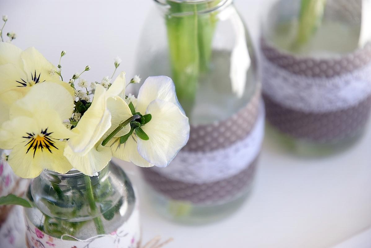 diy alte flaschen neue vasen sch n bei dir by depot. Black Bedroom Furniture Sets. Home Design Ideas