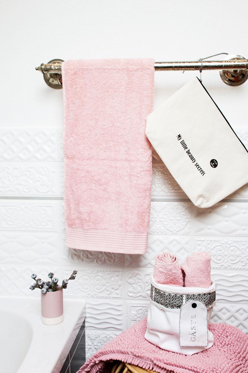 Frischer-Look-im-Bad-mit-neuen-Handtüchern