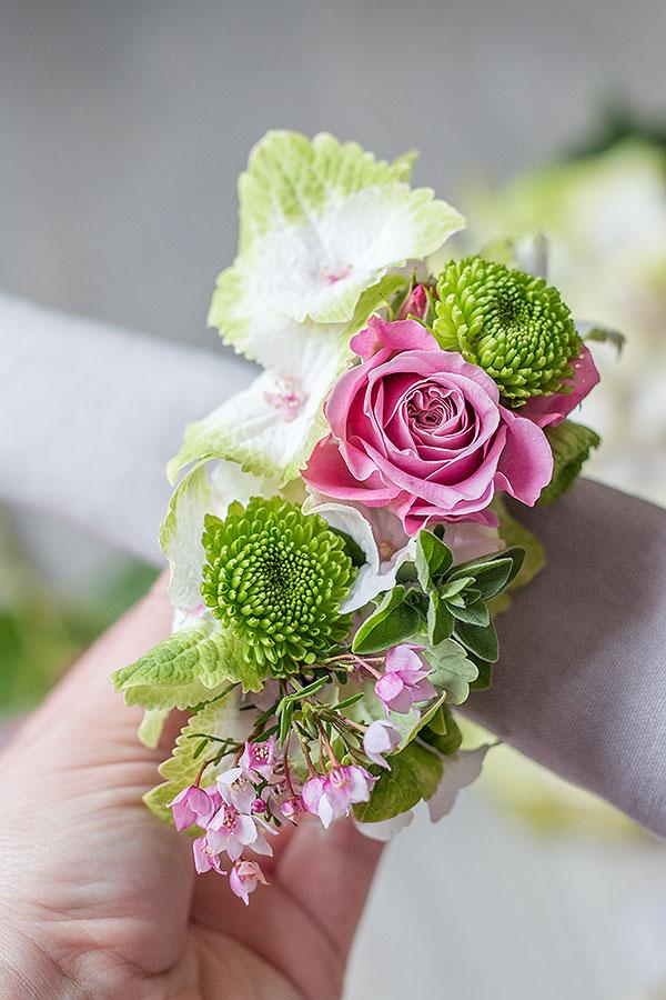 Serviettenringe mit Blumen selbermachen