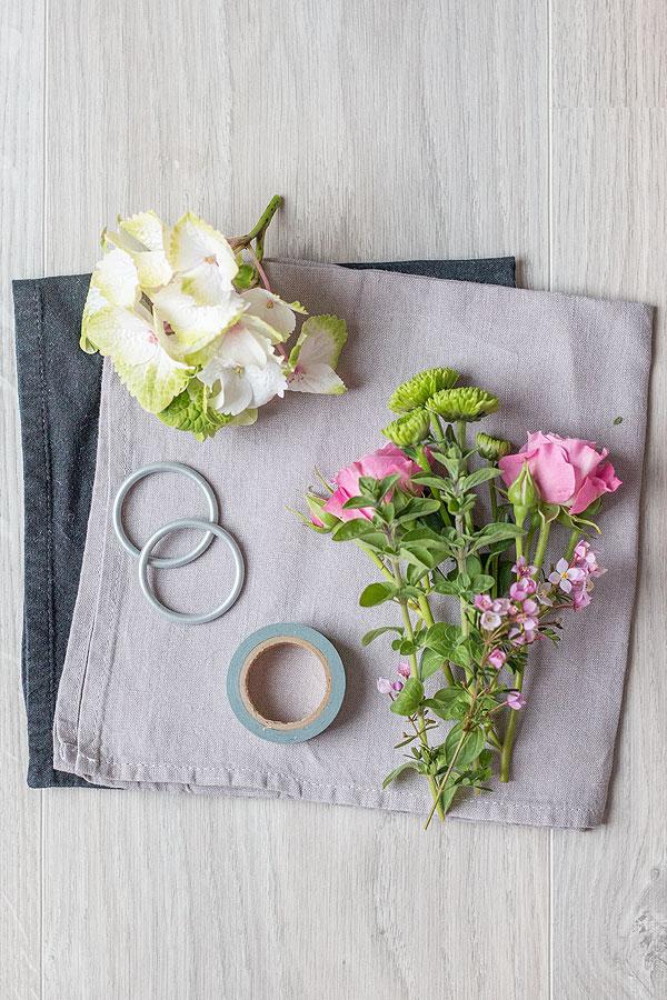 Zubehör für Serviettenringemit Blumen