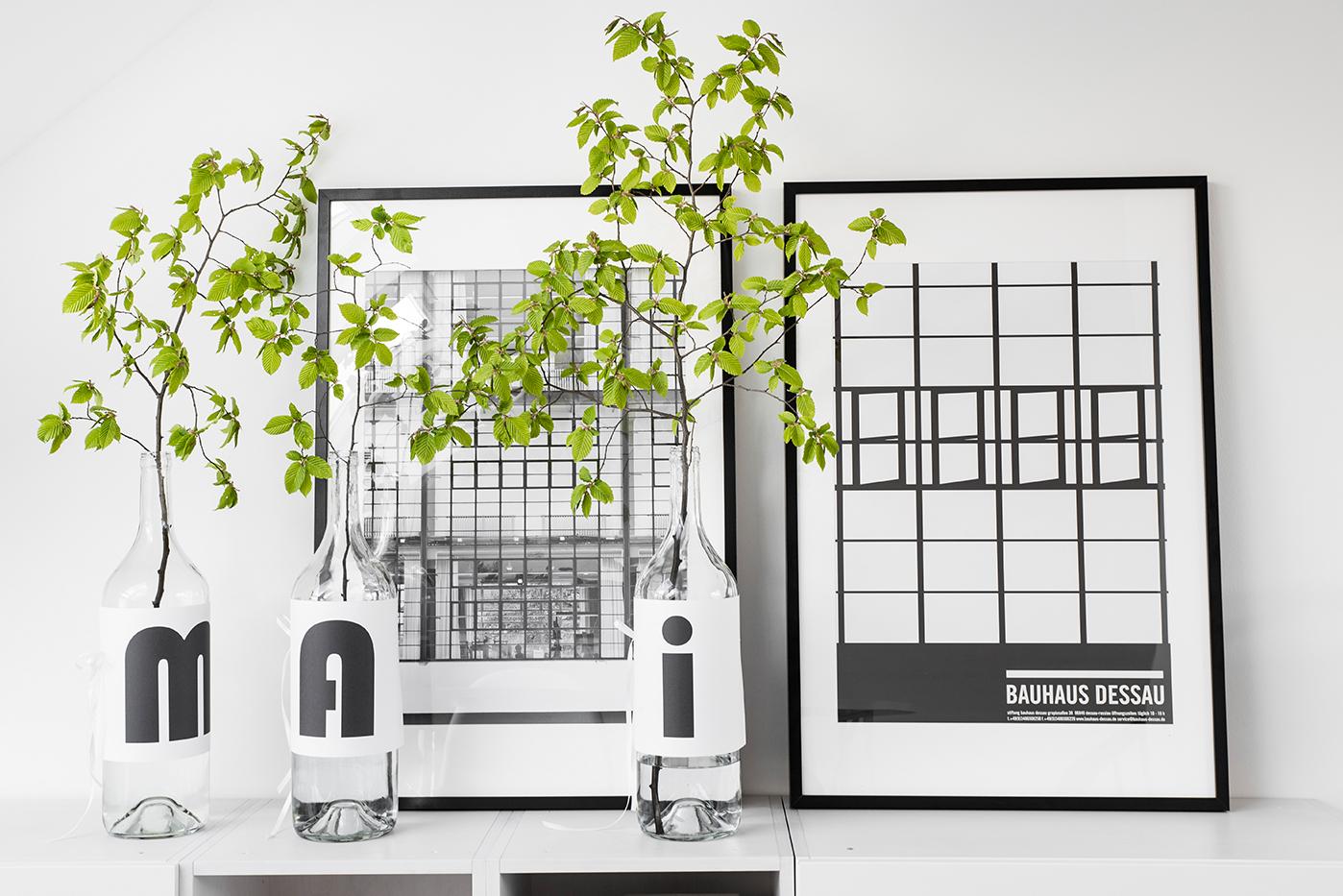dekoration mit zweigen im mai sch n bei dir by depot. Black Bedroom Furniture Sets. Home Design Ideas