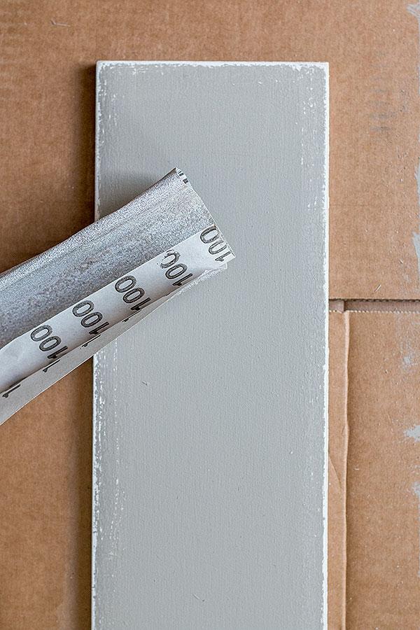 4. Schritt: mit feinem Schleifpapier die Ränder abschleifen
