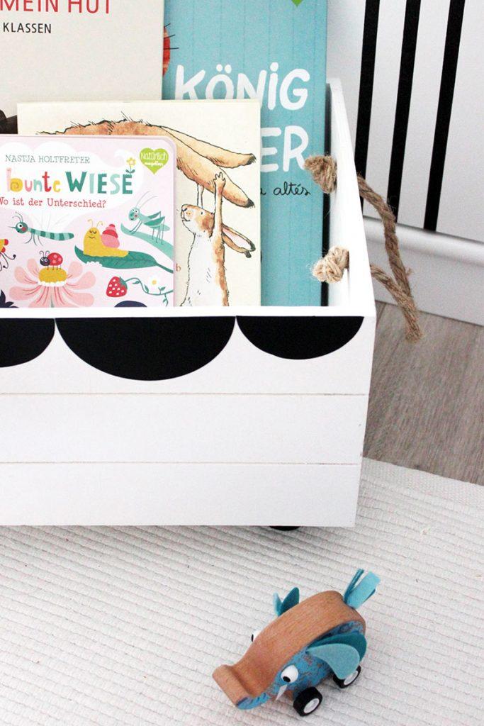 diy spielzeugkiste f rs kinderzimmer sch n bei dir by depot. Black Bedroom Furniture Sets. Home Design Ideas