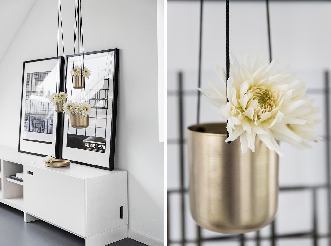 Dekoration mit Blumenampeln