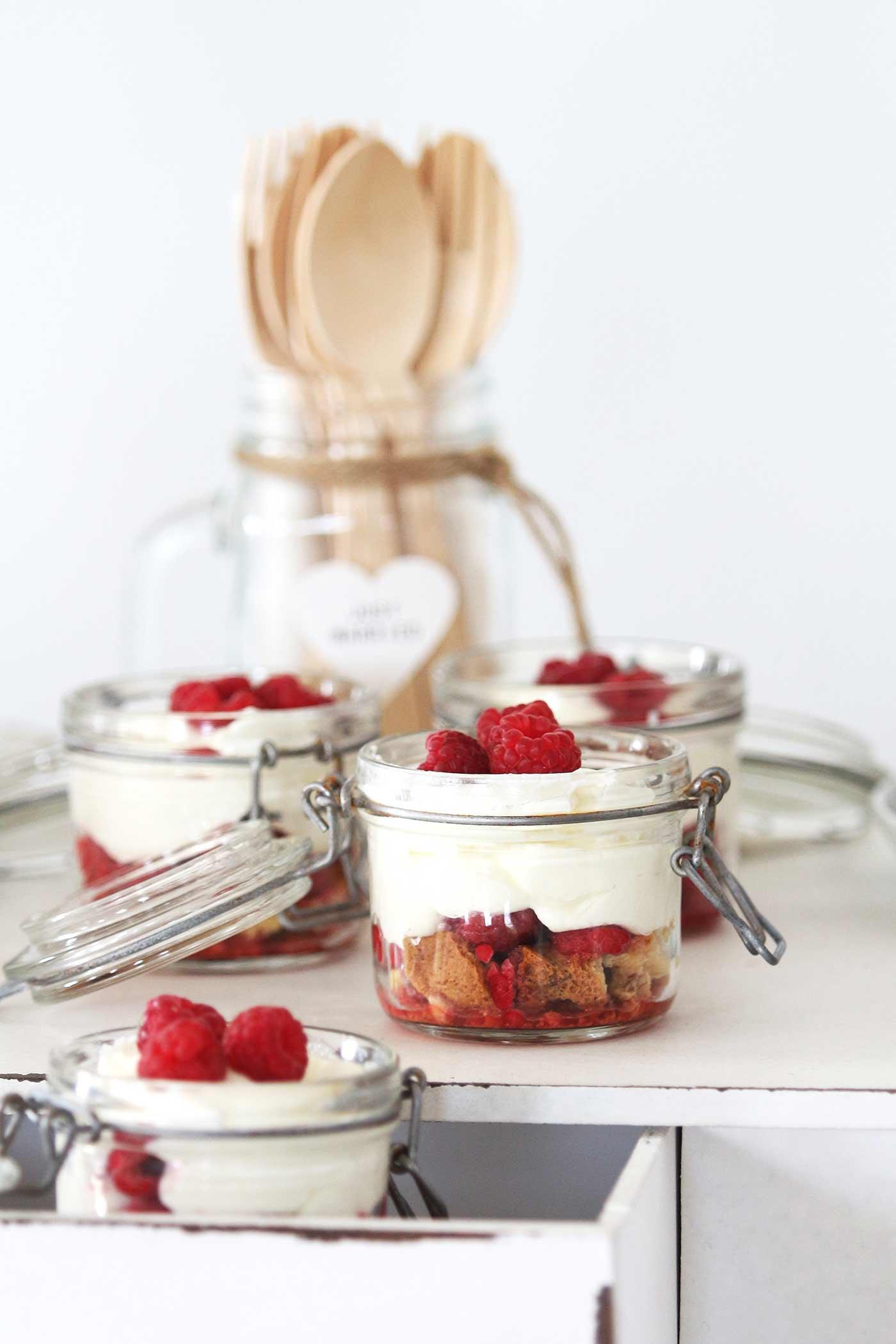 Schicht-Dessert im Glas