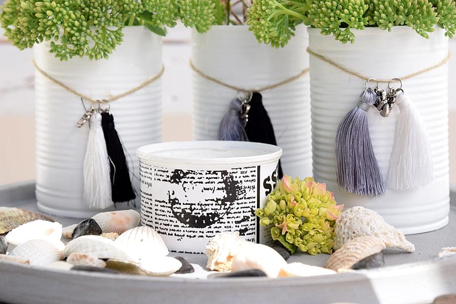 Vasen-aus-dosen-basteln-und-mit-miniquasten-von-depot-verzieren 15k