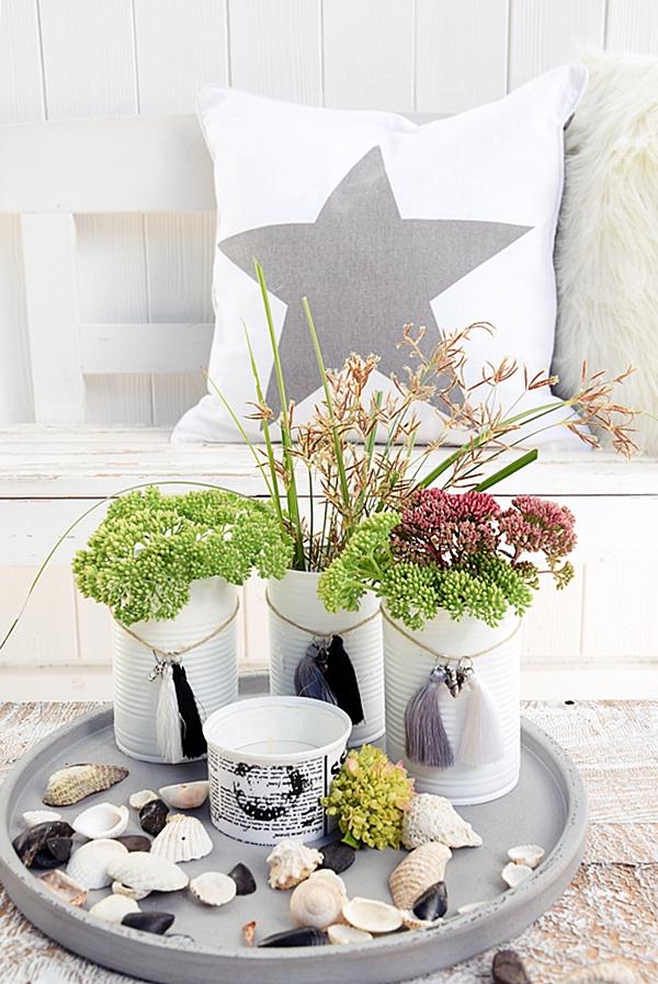 vasen aus dosen basteln und mit miniquasten von depot verzieren 7kk sch n bei dir by depot. Black Bedroom Furniture Sets. Home Design Ideas