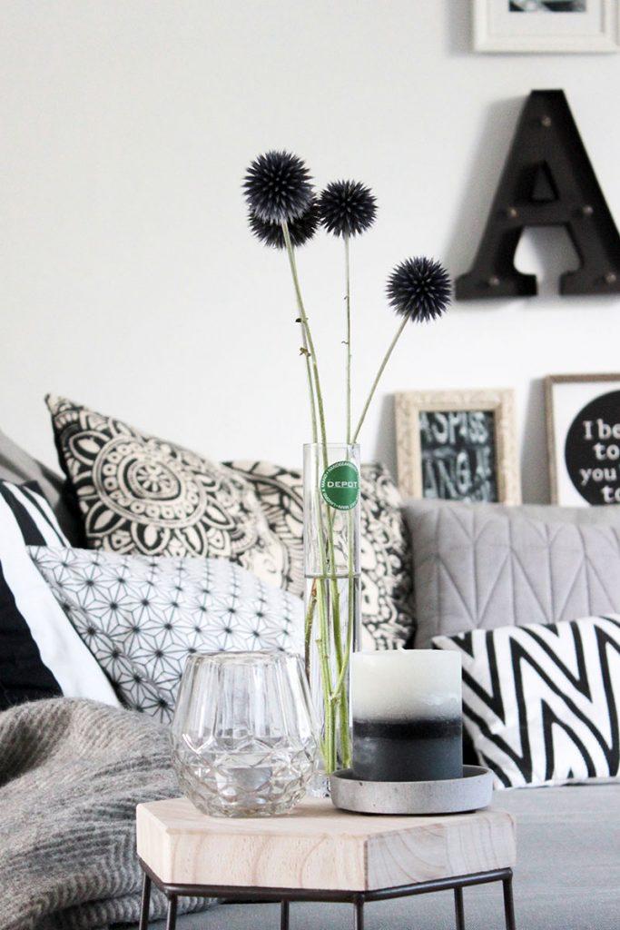 Wohnzimmer-mit-Beistelltisch-einrichten