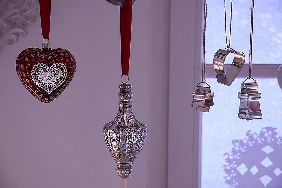 weihnachtliche-fensterdeko-selber-machen-2kv