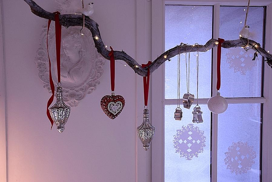 weihnachtliche-fensterdeko-selber-machen-5kv