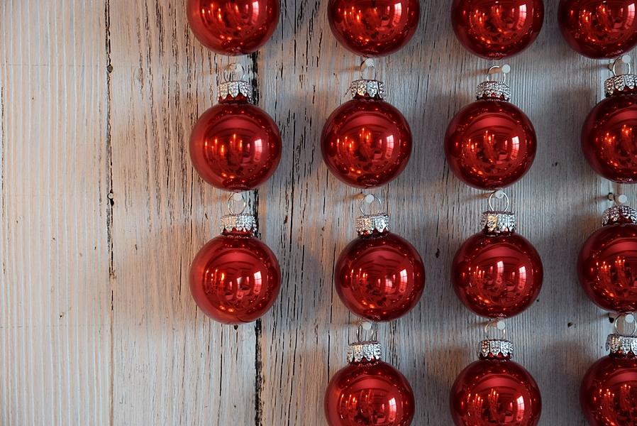 xmas-diy-hirsch-aus-weihnachtskugeln-6k