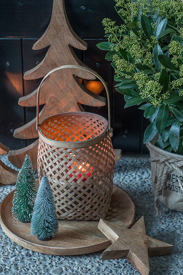 deko vor der haust r deko mit weinkisten vor der haust r. Black Bedroom Furniture Sets. Home Design Ideas