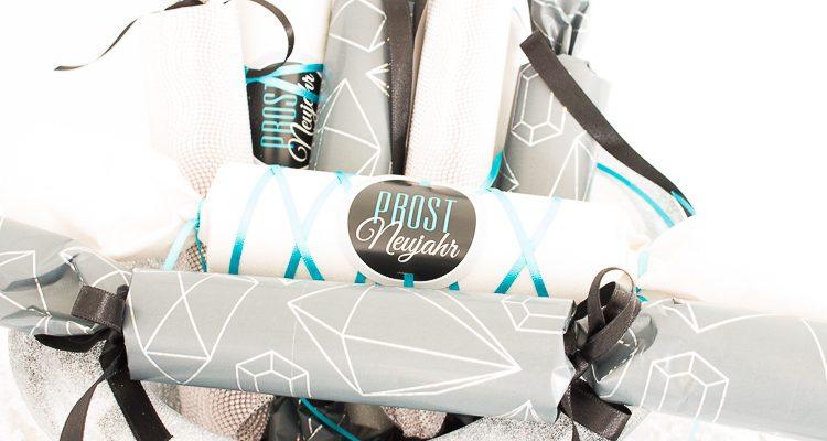 prost-neujahr-diy-knallbonbon-aus-geschenkpapier-3-von-6