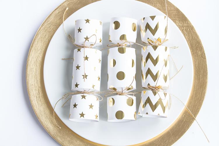 prost-neujahr-diy-knallbonbon-aus-geschenkpapier-5-von-6