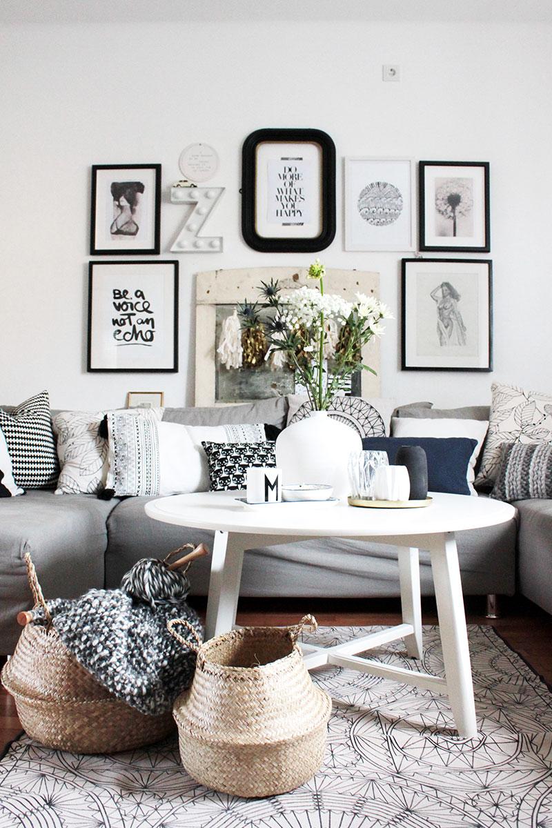 wohnzimmer im boho style mit dekokorben aus seegras