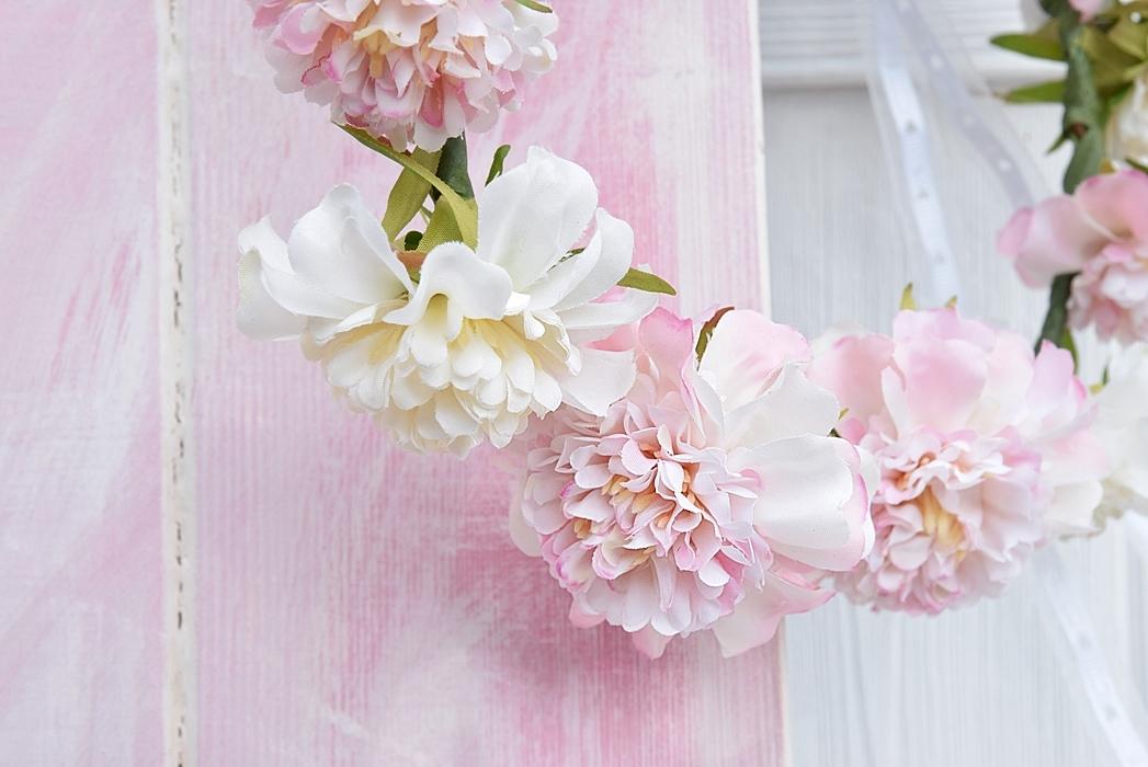 DIY-blumenkranz-aus-kunstblumen 22k-min