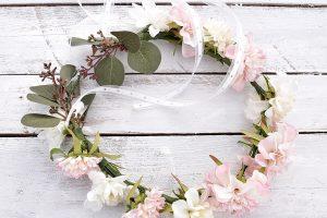 DIY-blumenkranz-aus-kunstblumen 31k-min