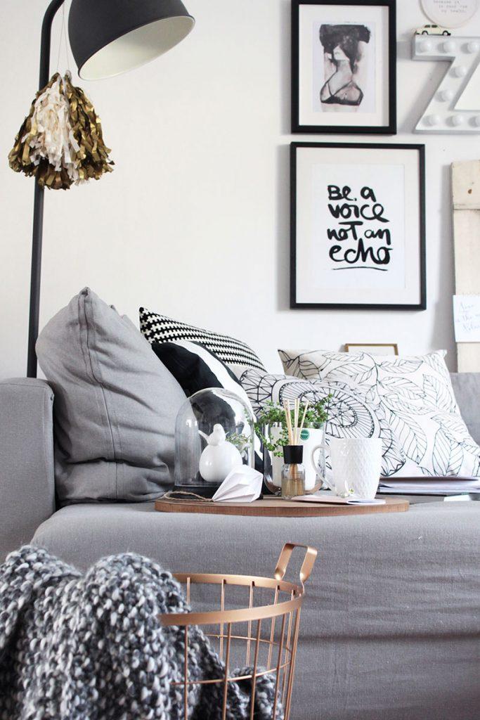 Wohnzimmer-im-Skandi-Look-mit-Aufbewahrungskorb
