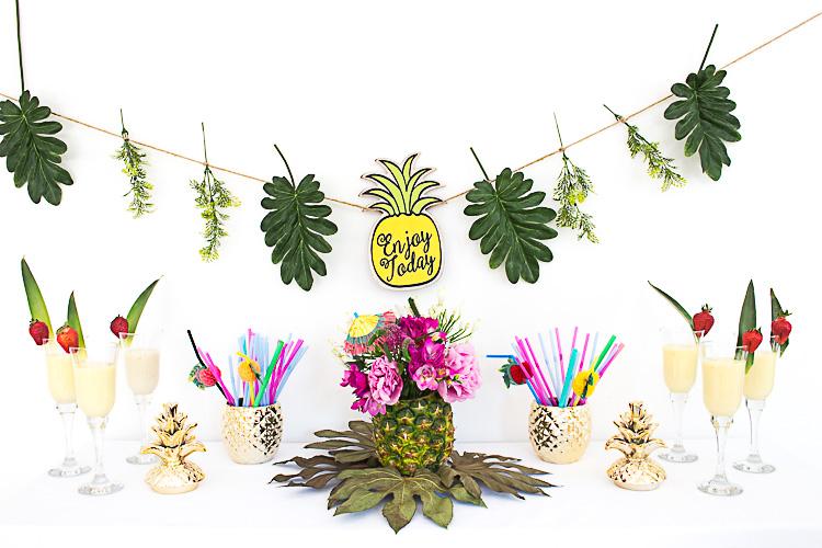 tropical feeling dekorieren mit ananas. Black Bedroom Furniture Sets. Home Design Ideas