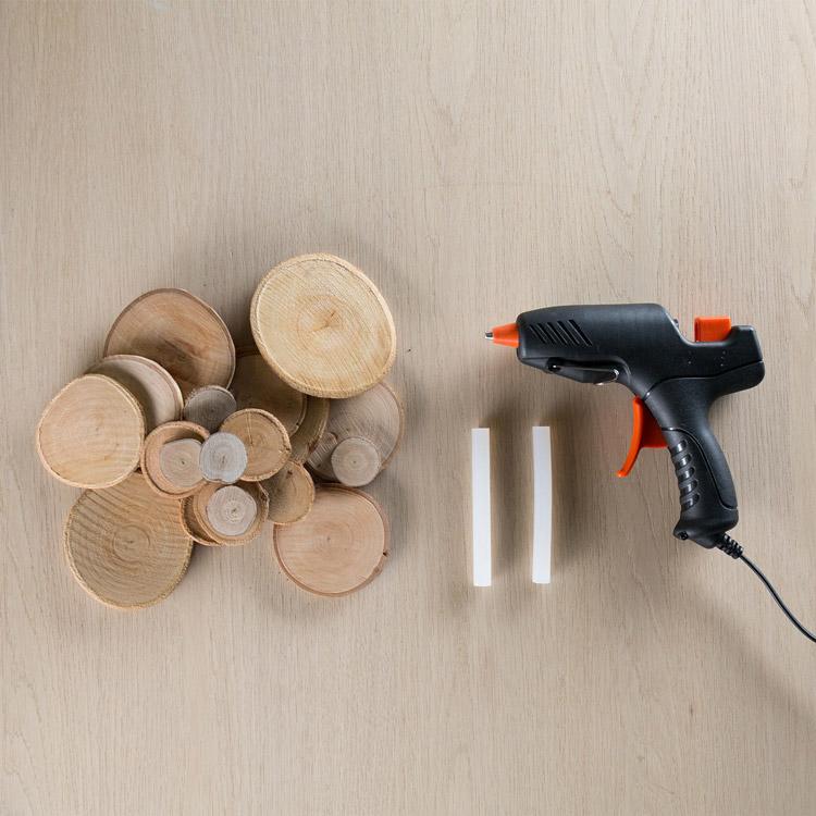 DIY Astscheiben Untersetzer mit Heißklebepistole