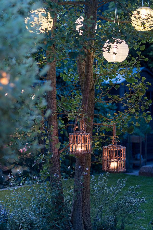 Gartenstimmung mit Lampions von DEPOT