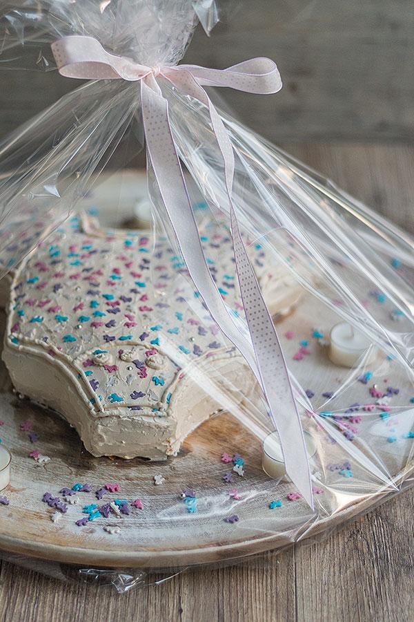 Babyshower Kuchen schön verpackt