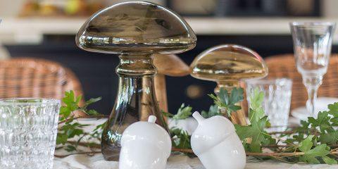 herbstliche Tischdeko mit Pilzen