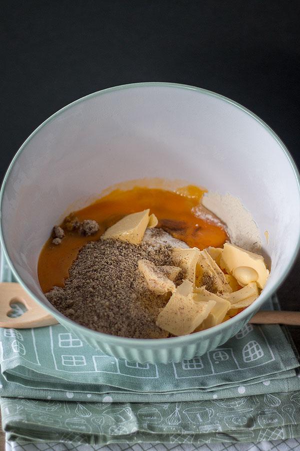 Zutaten für Vanillekipferl in eine Schüssel geben