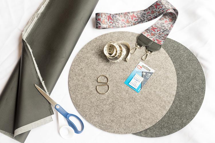 circle bag diy tasche aus tischset. Black Bedroom Furniture Sets. Home Design Ideas
