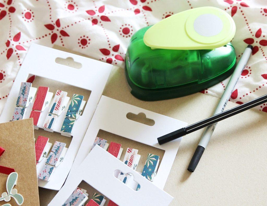 Für die Kreise aus Papier nehmt ihr am besten einen Ausstecher zur Hilfe, so werden sie schön gleichförmig.