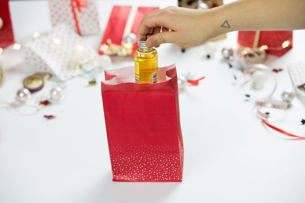 Bei der Befüllung des Adventskalenders seid ihr völlig frei. Macht euch Gedanken, über was sich der Beschenkte freuen würde :-)