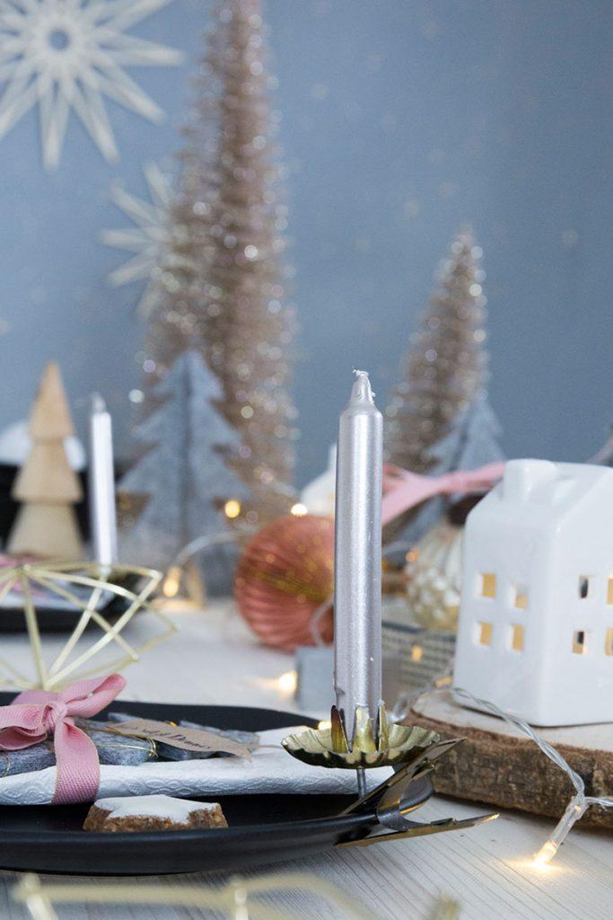 baumkerzen-als-tischdeko-für-weihnachten