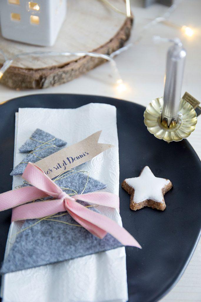 filztannenbaum-als-Platzkarte-zu-weihnachten