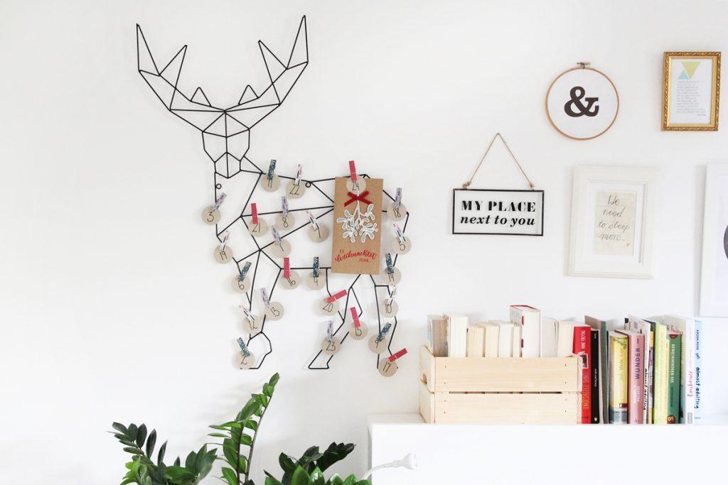 Der Adventskalender ist zugleich ein echter Hingucker an der Wand und besticht durch seinen minimalistischen Stil.