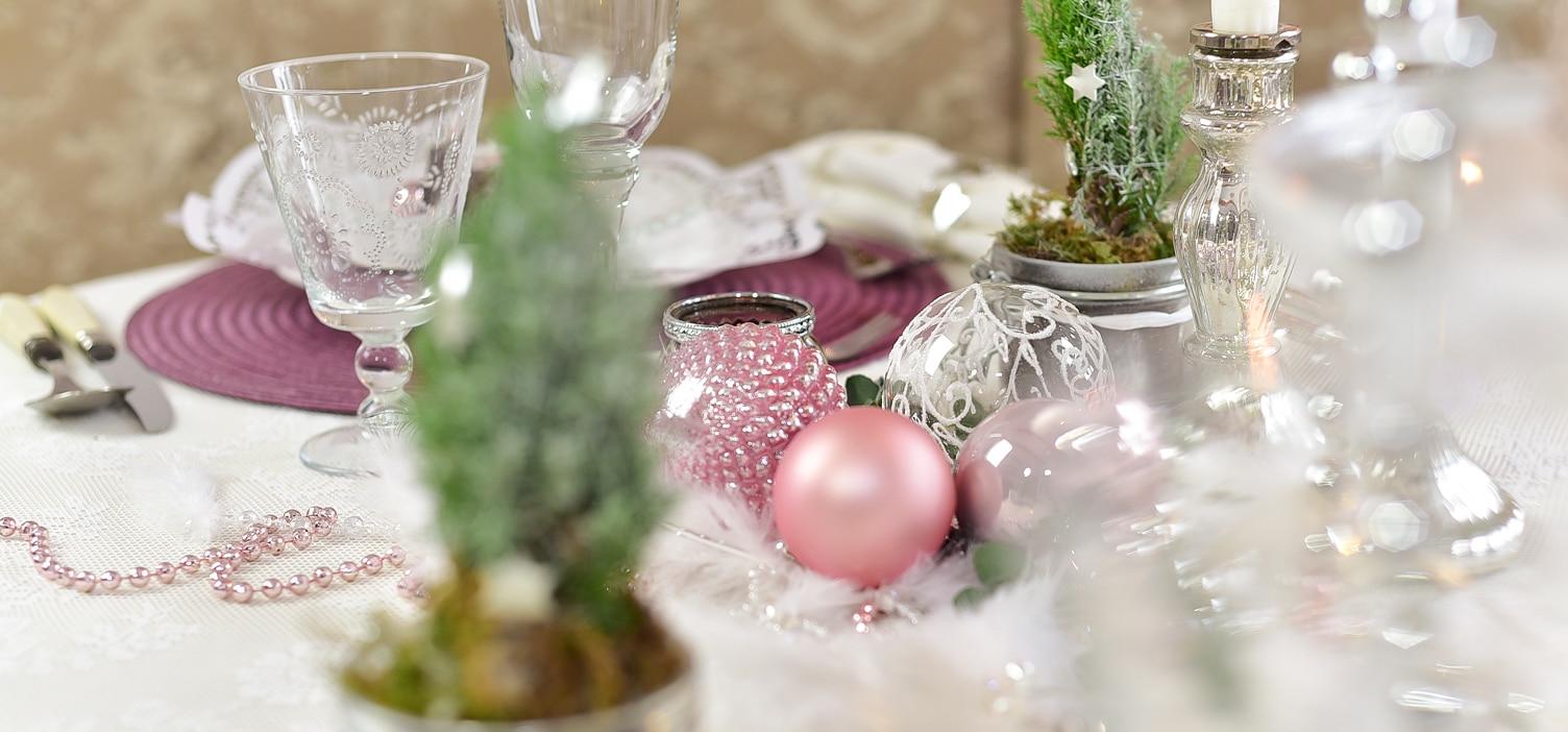 tipps-fuer-eine-weihnachtliche-tischdeko 20k-min