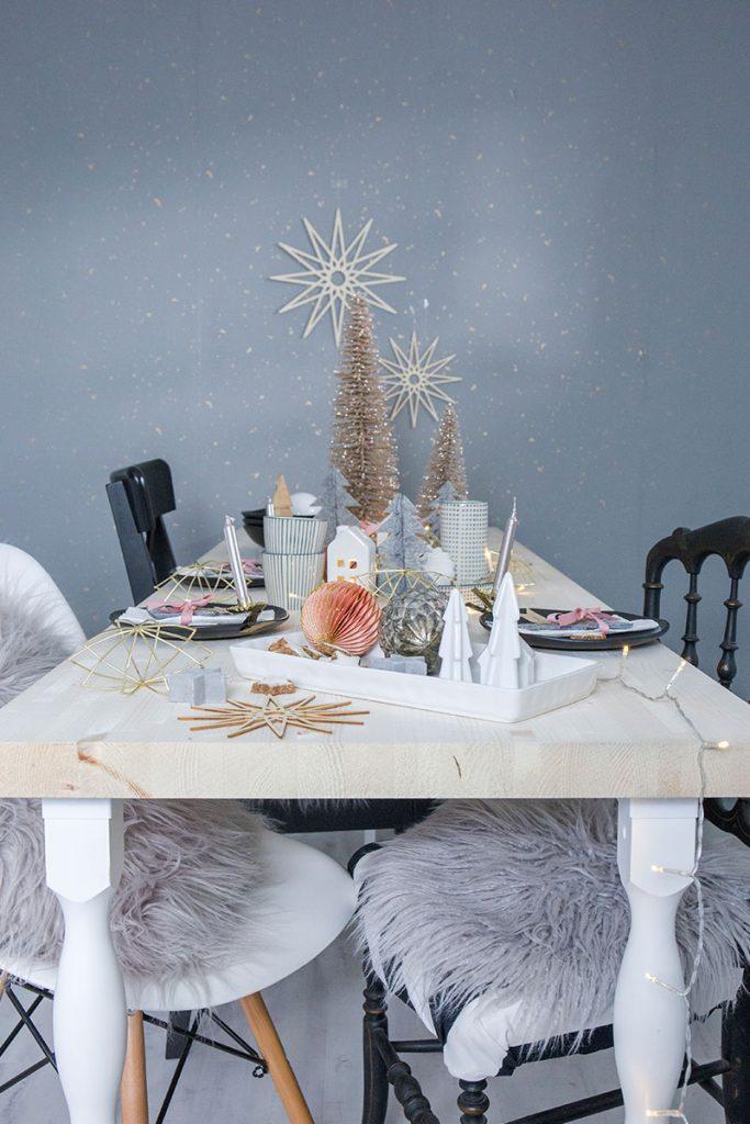 weihnachtstischdeko-im-skandi-Look