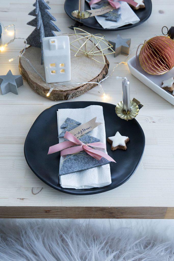 weihnachtstischdeko-im-skandinavischen-stil