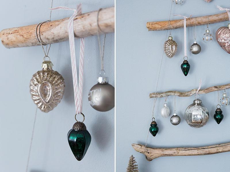 Weihnachtskugel-in-Altrose-und-Dunkelgruen